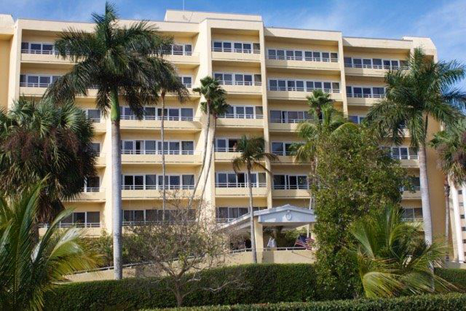 Airport Shuttle to and from Naples Edgewater Beach Hotel in and near Florida