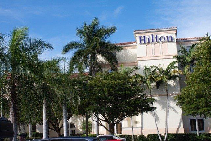 Airport Shuttle to and from Naples Hilton Hotel in and near Florida