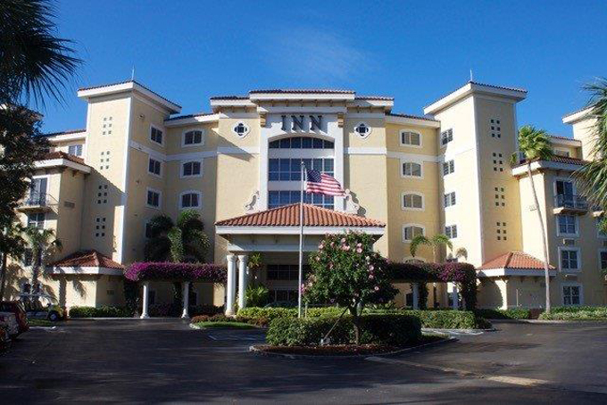 Airport Shuttle to and from Naples Inn at Pelican Bay Hotel in and near Florida