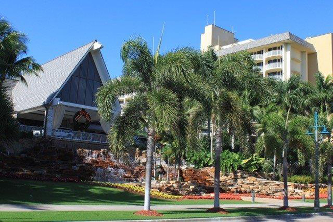 Airport Shuttle to and from Naples to Marco Marriott Beach Hotel in and near Florida