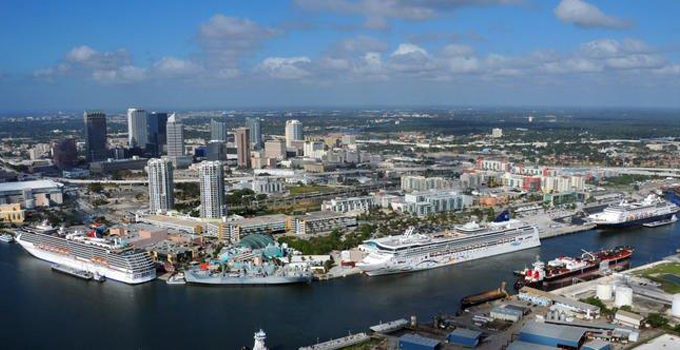 Shuttle from Naples to Cruise Ships and Seaports in Port Tampa Bay in and near Florida